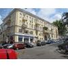 Хозяин сдает в аренду 3-х ком.  квартиру 90 м. кв,  под офис или жилье в центре г.  Киева,  метро Крещатик