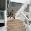 Убирать снег зимой  легко